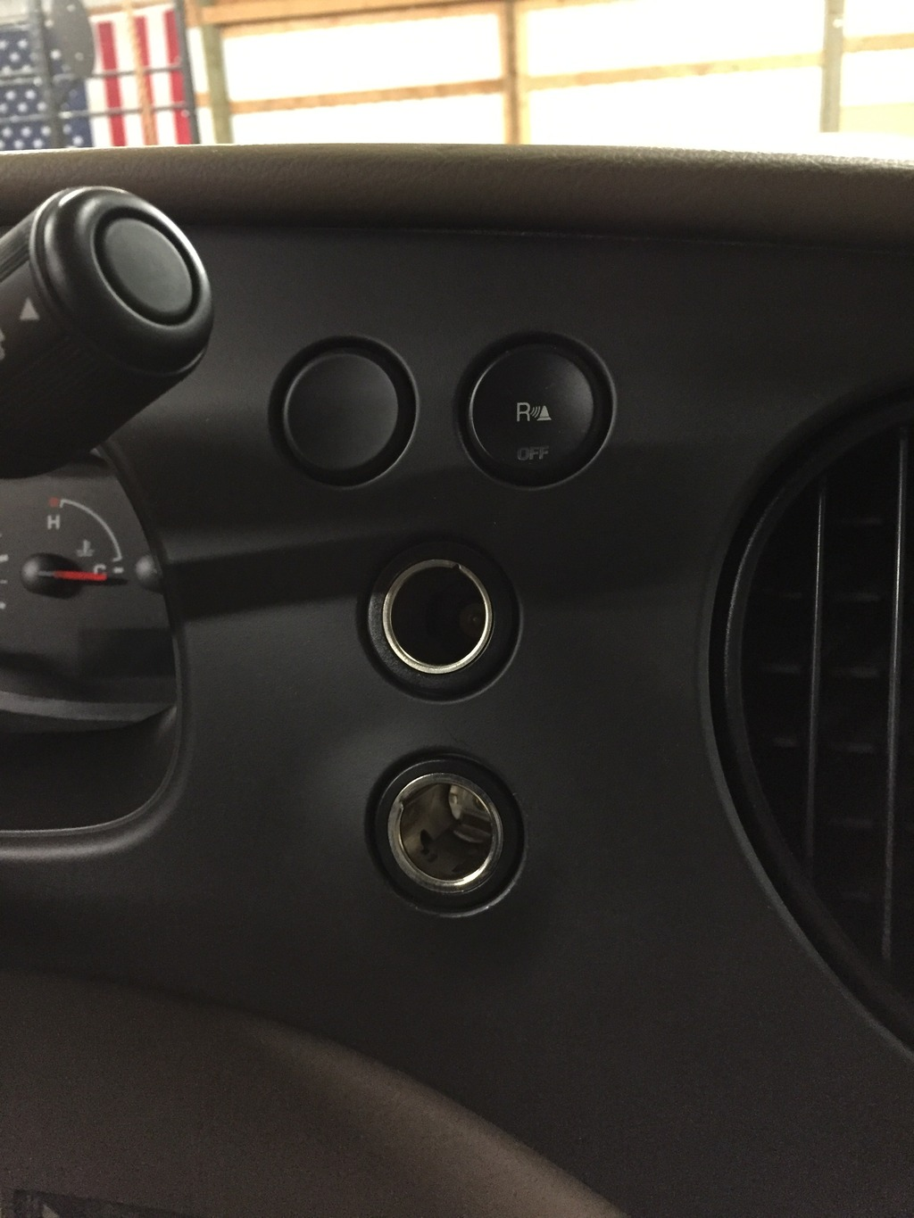 Cigarette Lighter Socket Removal Sportsmobile Forum 2000 Ford Mustang Door Panel This Image Has Been Resized Click Bar To View The Full