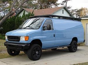 2003 Ford e 350 4x4 Van 001.JPG