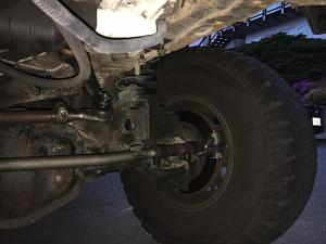 Click image for larger version  Name:Driver side Tie rods.JPG Views:11 Size:84.0 KB ID:16139