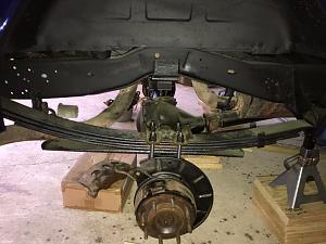 RH Rear U-bolts on.jpg