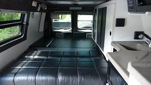 08 E350 Leather inside, lowres.jpg