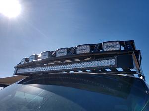 Click image for larger version  Name:lightforce lights on stealth aluminum roof rack.jpg Views:24 Size:66.4 KB ID:23945