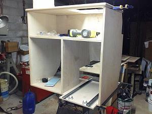 van-kitchen-and-fridge_cons.jpg
