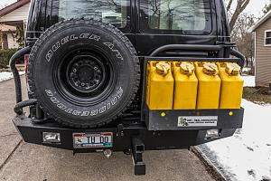 rear floods, dual hitch, locking fuel cans-29.jpg