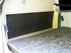 Bed cutout - 800x600.JPG