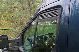 Ford-Transit-window-vents-pair_grande.jpg