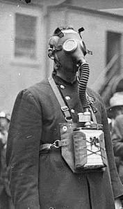 gas mask, 1927.jpg