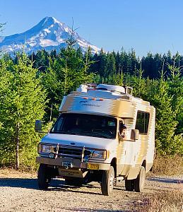 Chinook Mount Hood SMF.jpg