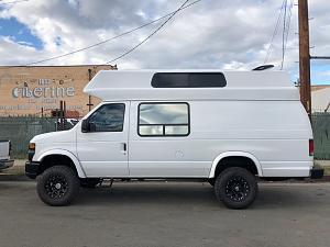 30 Super Camper Ford EXT.jpg