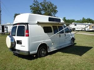 2004chevrolet_3500_sportsmobile_van_white09,.jpg