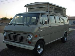 1969_Ford_Econoline_Pop_Top_Van_Front_1.jpg
