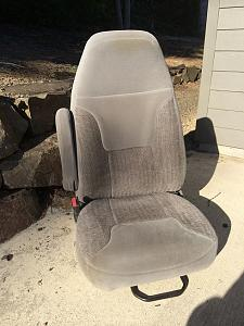 Seat Front small.jpg