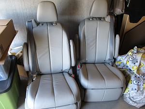 seats pair overview.jpg