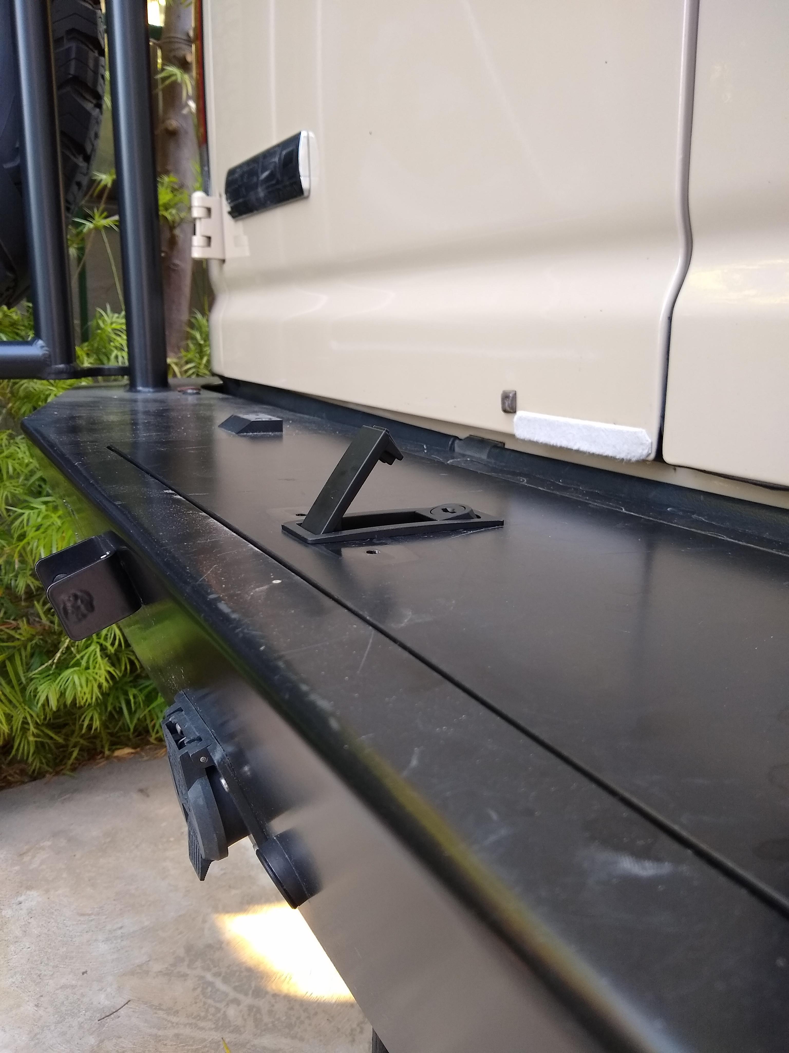Bumper storage latch 8
