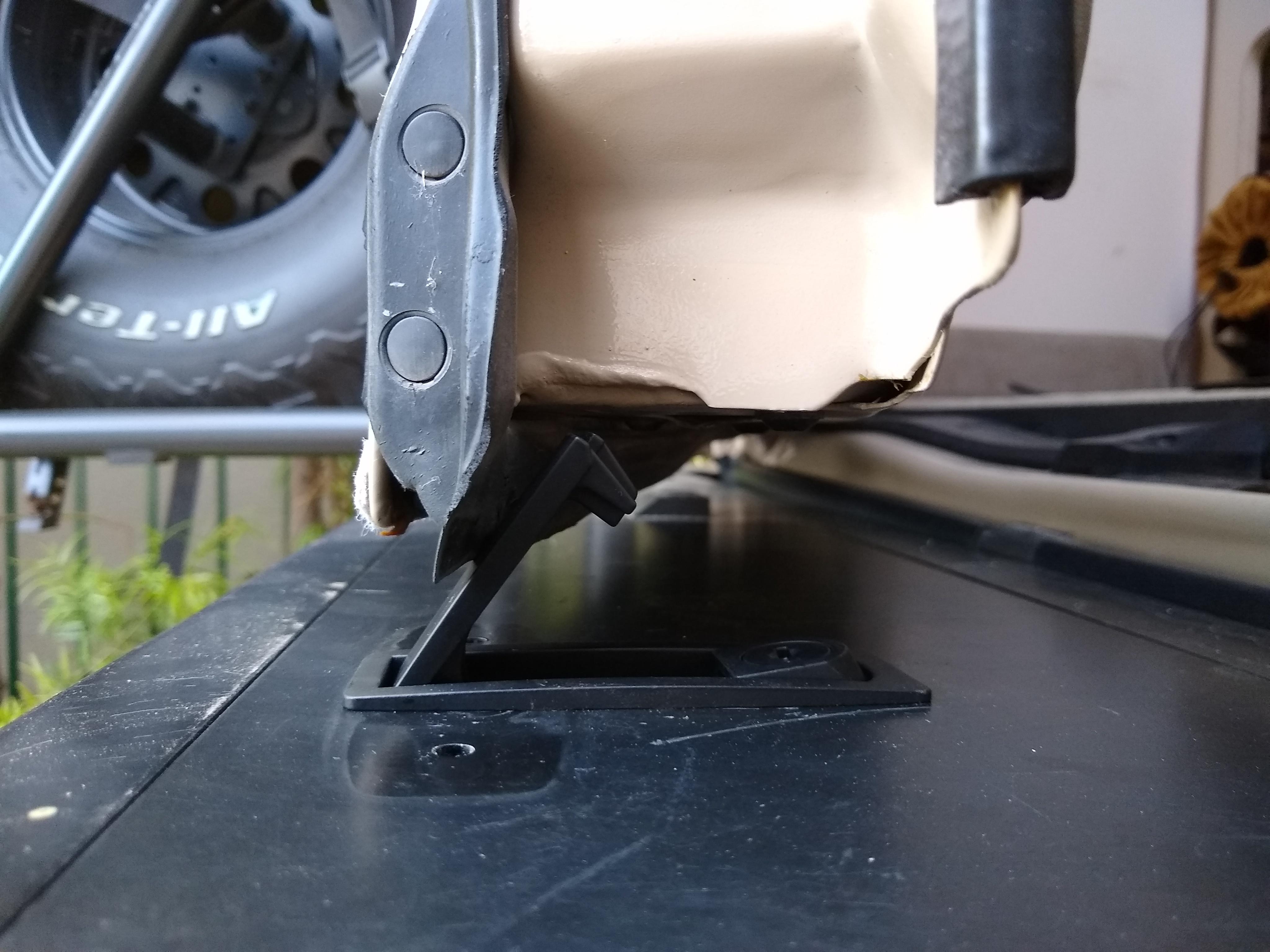Bumper storage latch 11