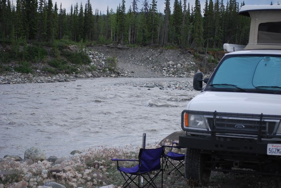 Ford_6L_E350 - 10 camped along the Kennicott River